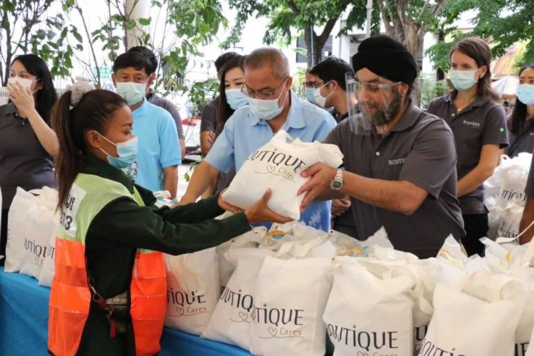 BOUTIQUE CARES: GIVING BACK IN PHRA KHANONG DISTRICT